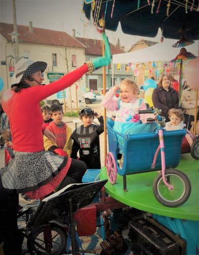 Le manège de l'Escampette au Carnaval Les Avenières (38)
